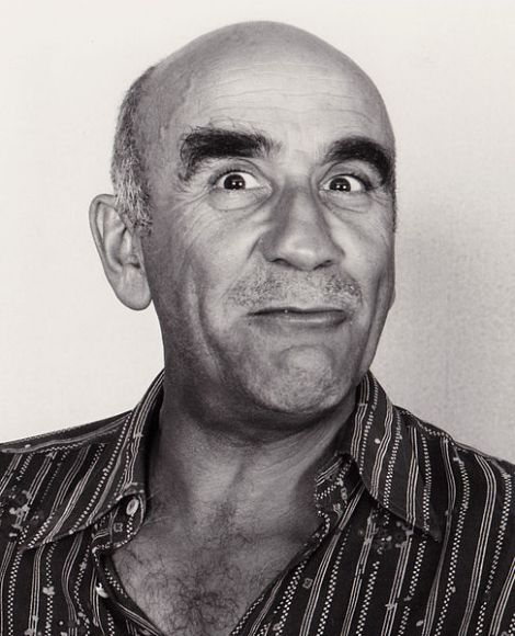 Warren_Mitchell